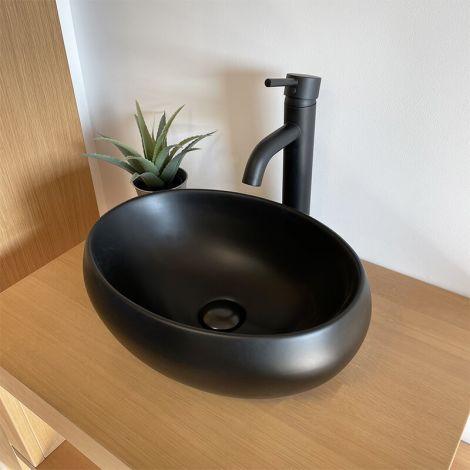 vasque noire en céramique