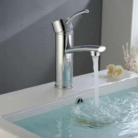 Mitigeur bas Kobé, design en laiton chromé pour vasque